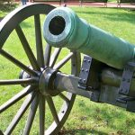 【序曲1812年】クラシックで大砲を楽器として使った作曲家がいた!
